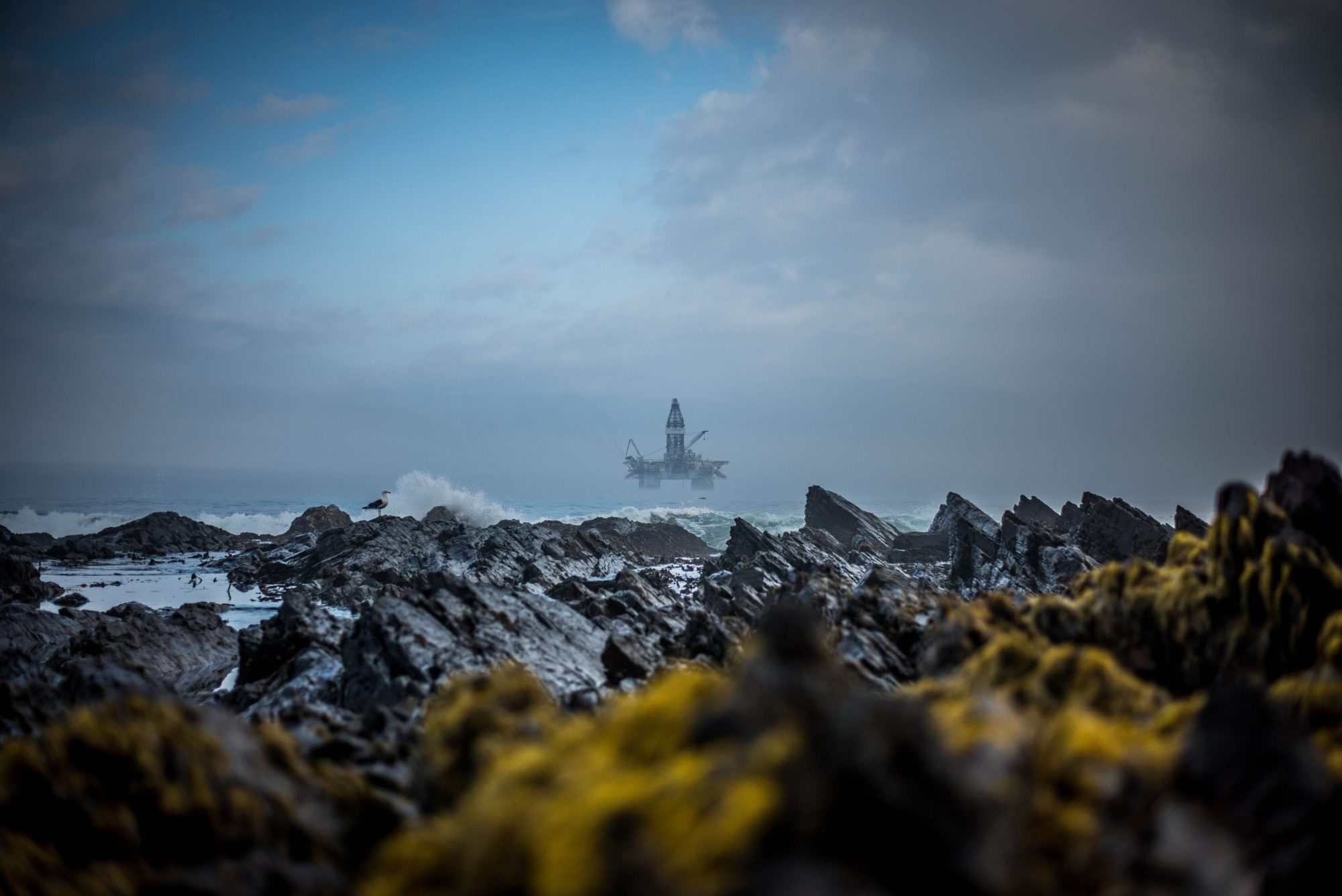 clyde-thomas South Africa oil rig CCS-695470-unsplash